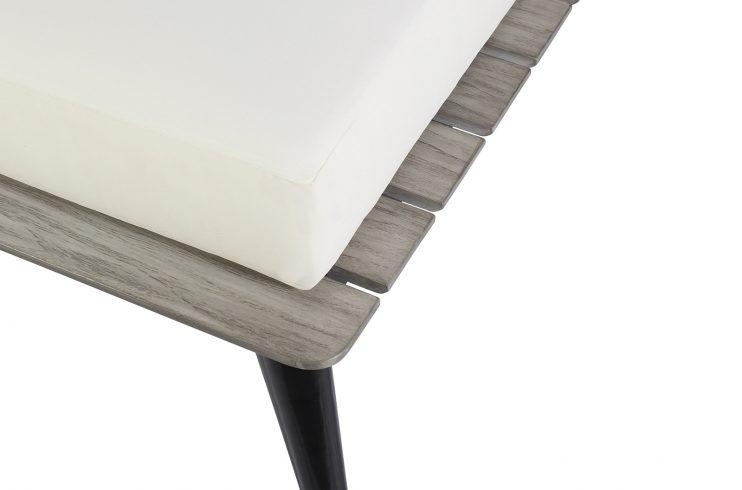Kakaban Corner Detail2 270FT004P2BW